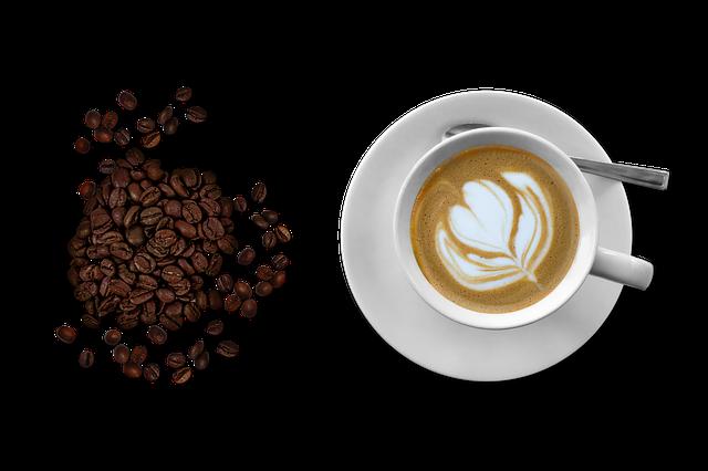 Cappuccinotassen und Kaffee